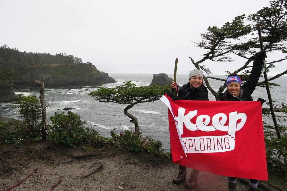 Flying the flag proudly in the Pacific Northwest with @angeleajoyce and @bmayfojas