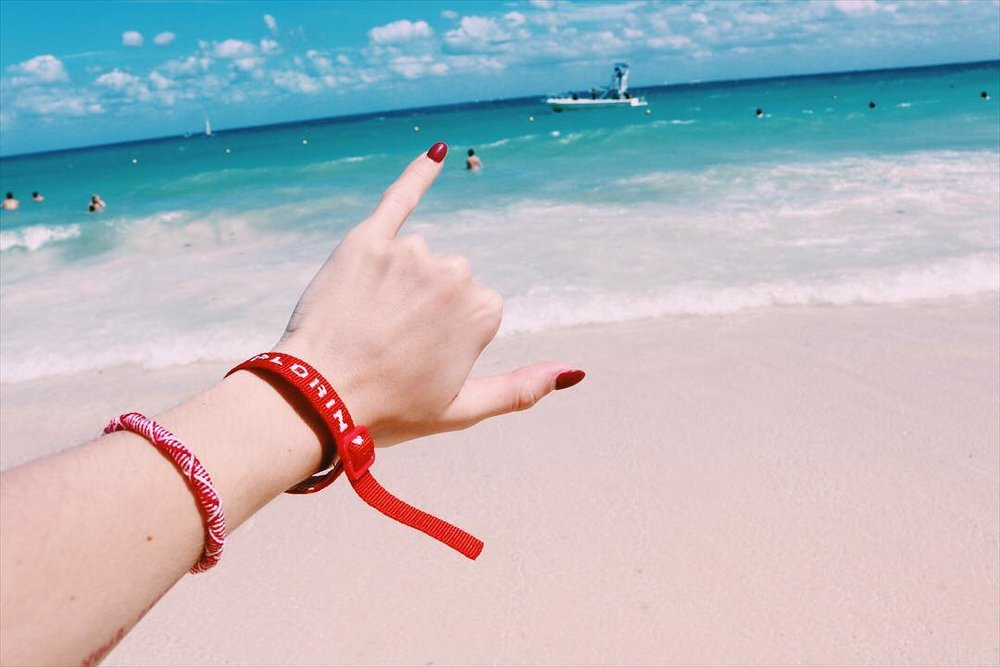 Spring break was all about hanging loose at the beach in Playa del Carmen for @t.carrollll