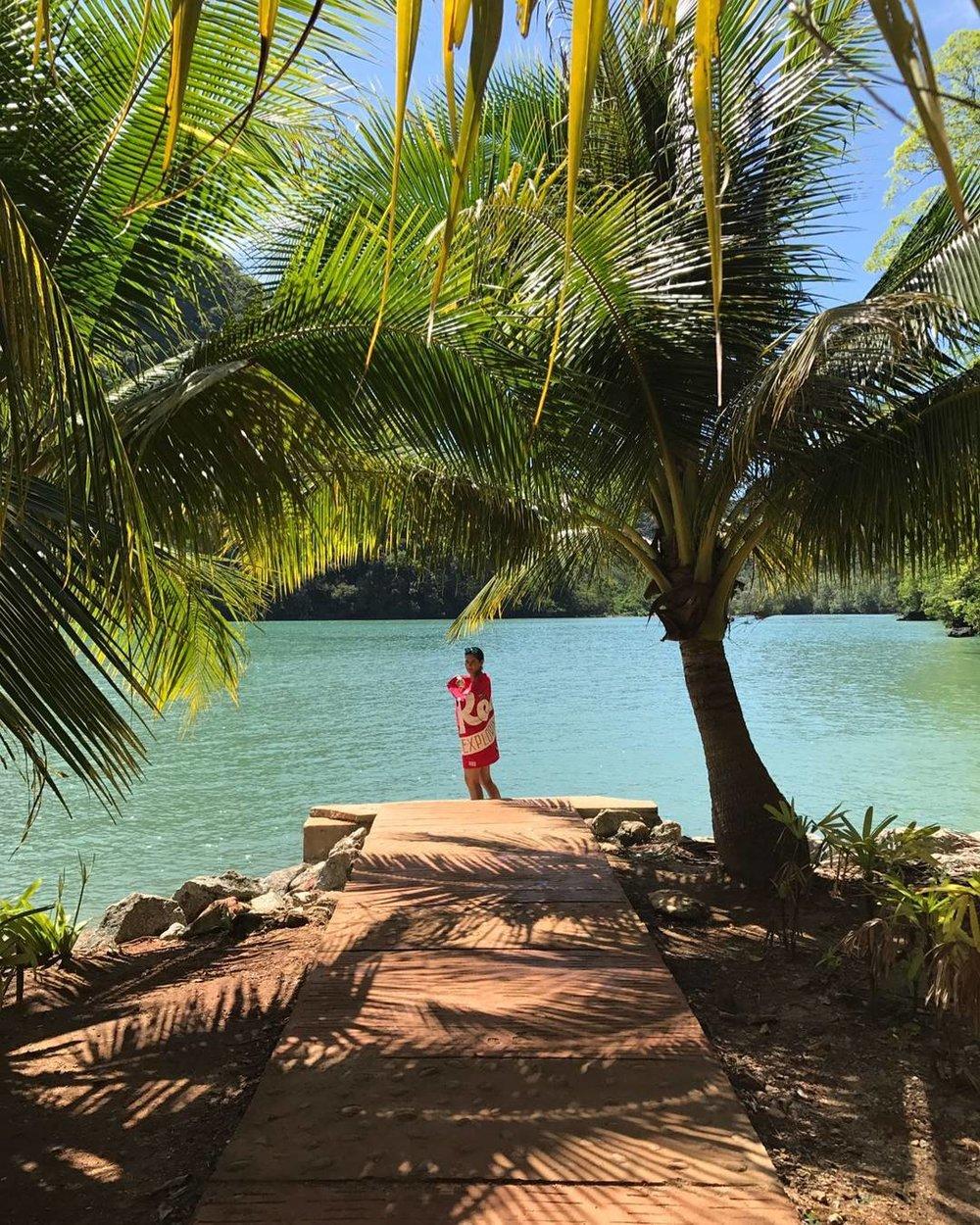 Celebrating bright, warm days, @macklepinoe takes the flag to Pulau Beras Basah