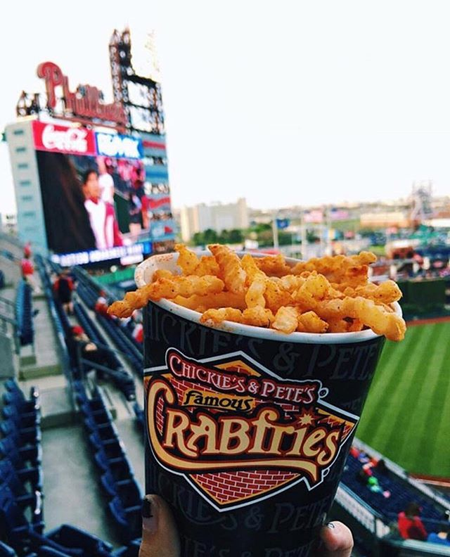 It's Fry Day! Happy #nationalfrenchfryday Nothing better than 🦀🍟&⚾️