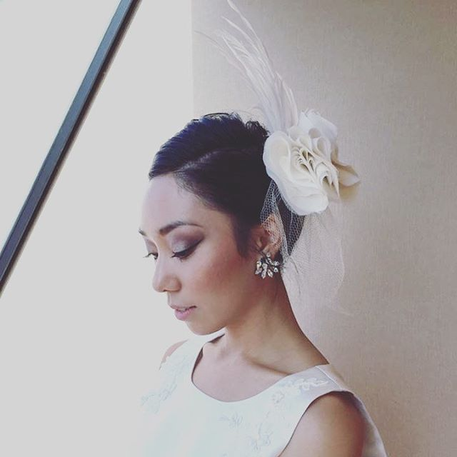 Simply elegant ❤️Atzi Bridal chiffon and feather fascinator and earring jackets! 😍