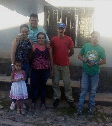 Humberto (back left, green shirt) during October vacations this past year. He and his girlfriend Maritza took to his home the two jovenes who work with him in the wood shop (right side, red shirt and green shirt), as well as our youngest girl at Amigos (dress). Also pictured is Humberto's sister (pink and black shirt).