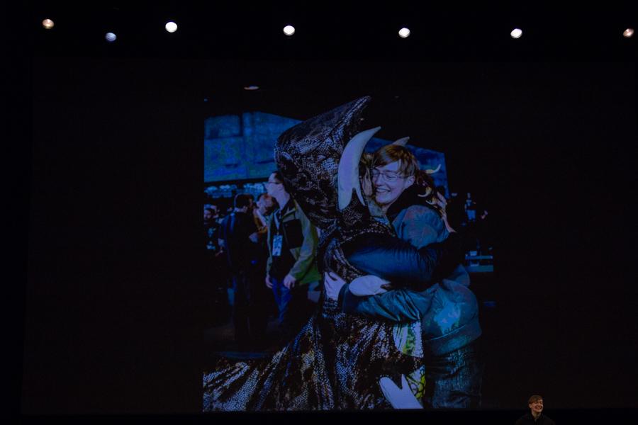 CCP Seagull hugs a Fedo
