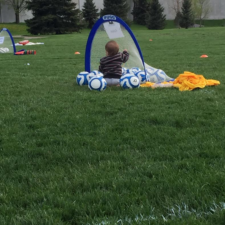 Soren wanting to be one of the balls at Tindras soccer game