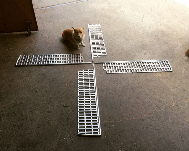 Busted out these aluminum windmill blades for @subparminigolf. Combination of more than 400 rivets and welding. Corgi for scale.  #notmypresident #corgiforscale