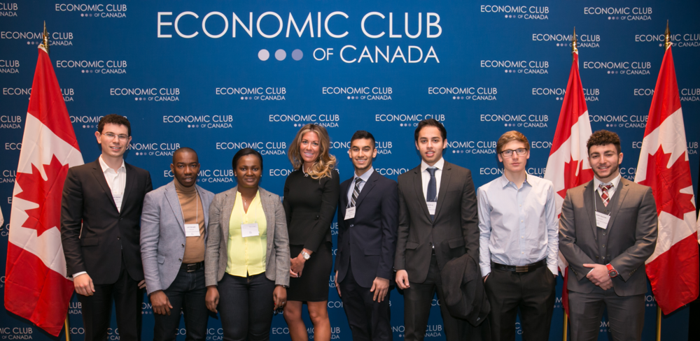 EC volunteers at economic outlook 2016