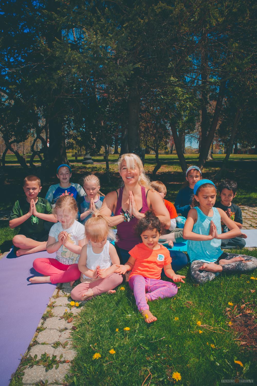 erin-yoga-kids-12.jpg