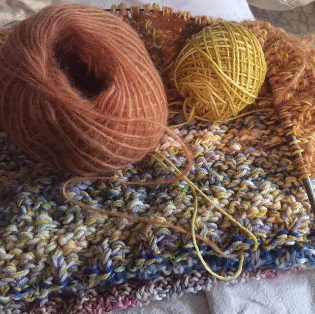 Working on a new shawl! Using a variety of different yarns @lavenderluneyarn @rowanyarns @knittyvet @vogueknittingmagazine @harrietandalice #knittersofinstagram #shawl #knitting