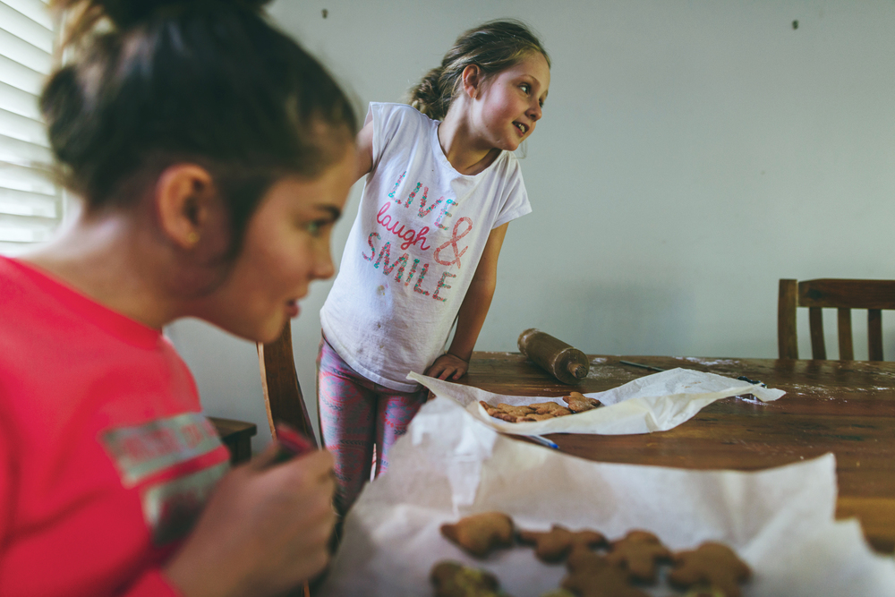 Children baking in the kitchen. Sydney photographer, Cindy Cavanagh