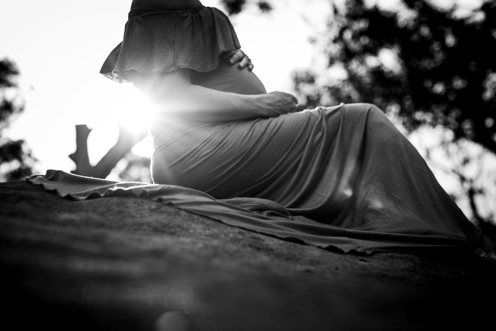 Sunset maternity portraits in Sydney - Cindy Cavanagh