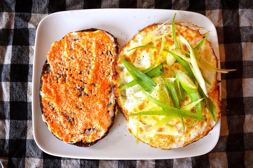 cheeskitch-160803-egg-sandwich-1-1500.jpg