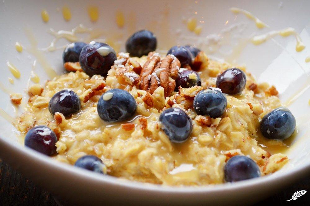 cheeskitch-161027-oatmeal-blueberries-pecans-oatmeal-4-1500.jpg