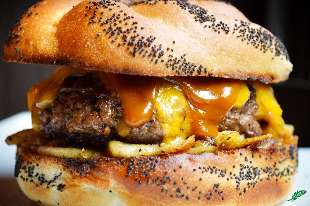 cheeskitch-161201-beef-bacon-apples-burger-pop-3-1500.jpg