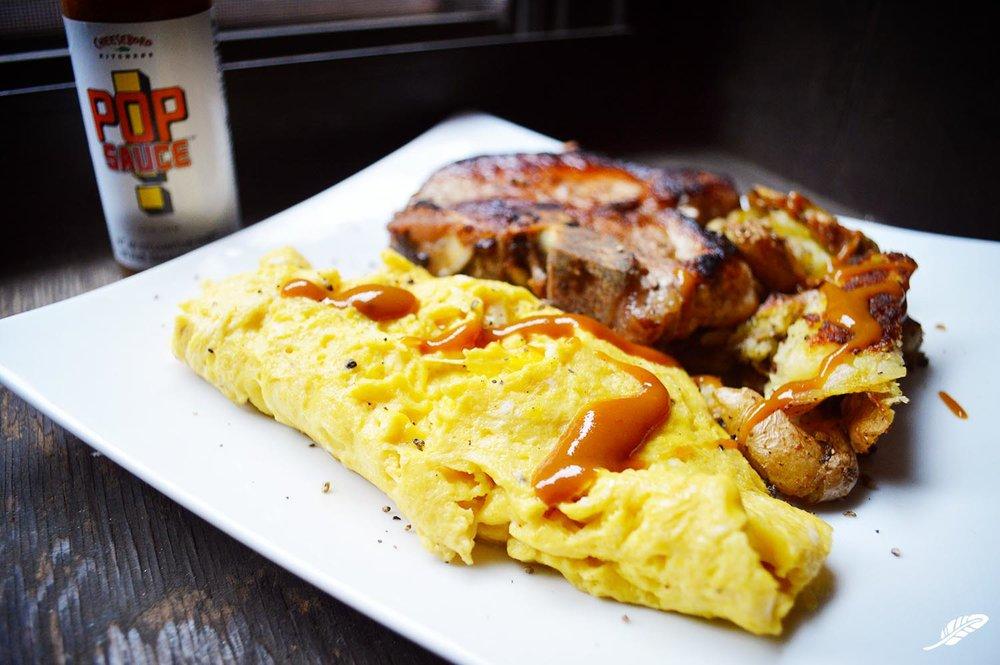 cheeskitch-161224-scrambled-eggs-potatoes-pork-chop-2-1500.jpg