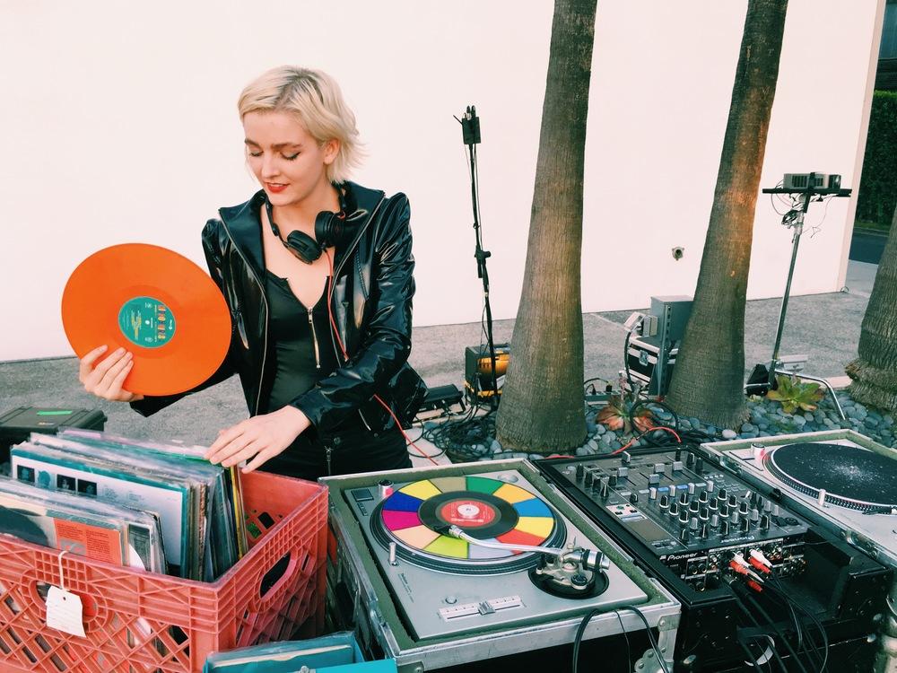 DJ Allie Teilz