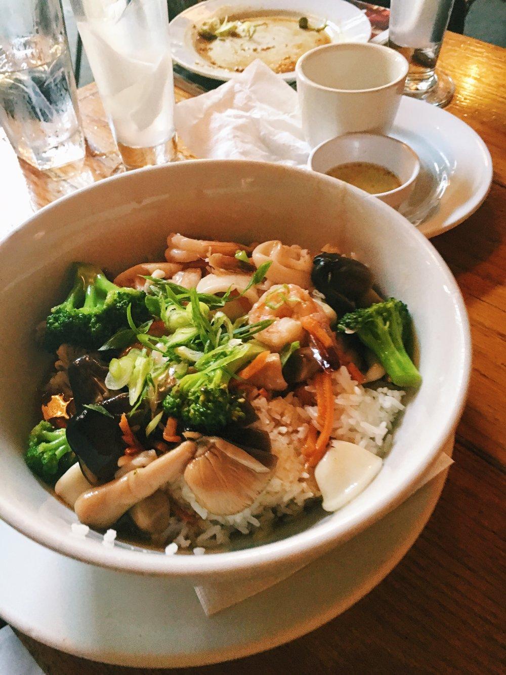 sea-thai-brooklyn-fish-bowl