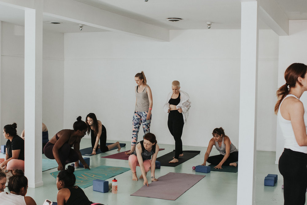 YOGA-CHARITY-EVENT-VENICE-COLLECTINGMOMENTS.ME.jpg