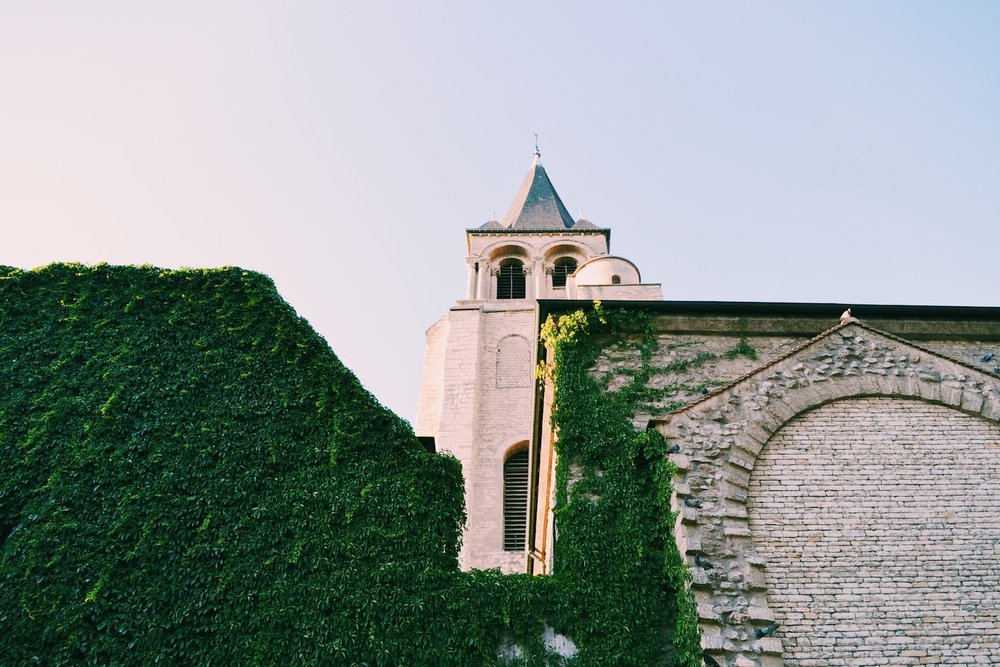 saint-germain-des-pres-neighborhood-paris.JPG