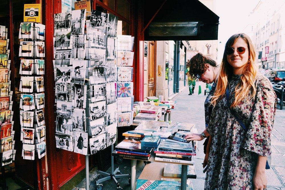 outside-bookstore-st-germain-des-pres.JPG