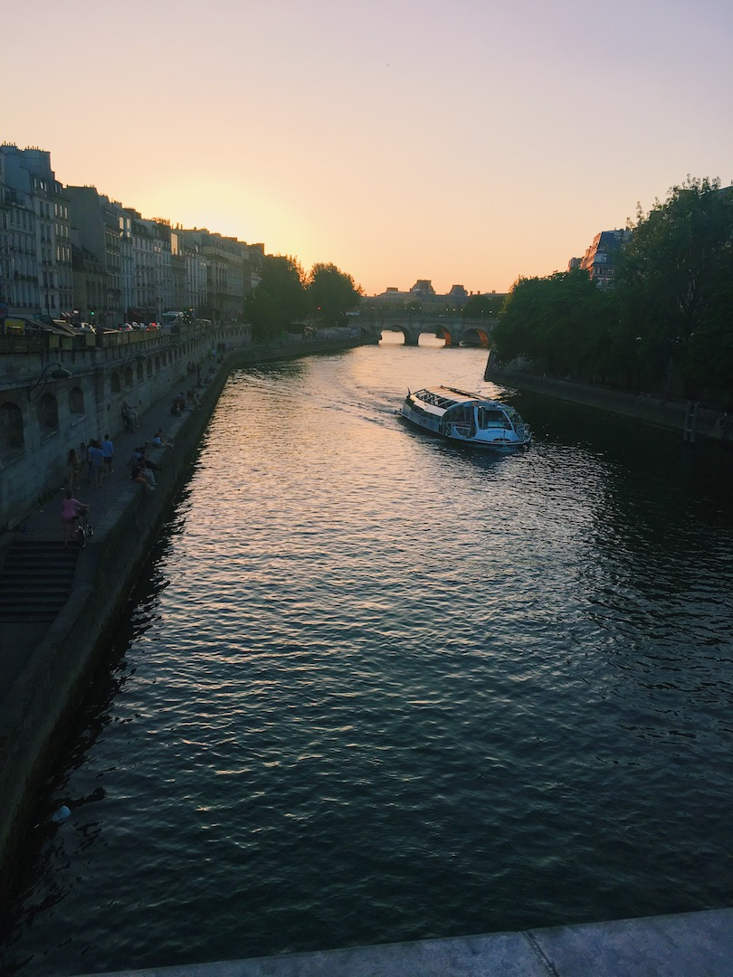sunsets-in-paris-france.JPG