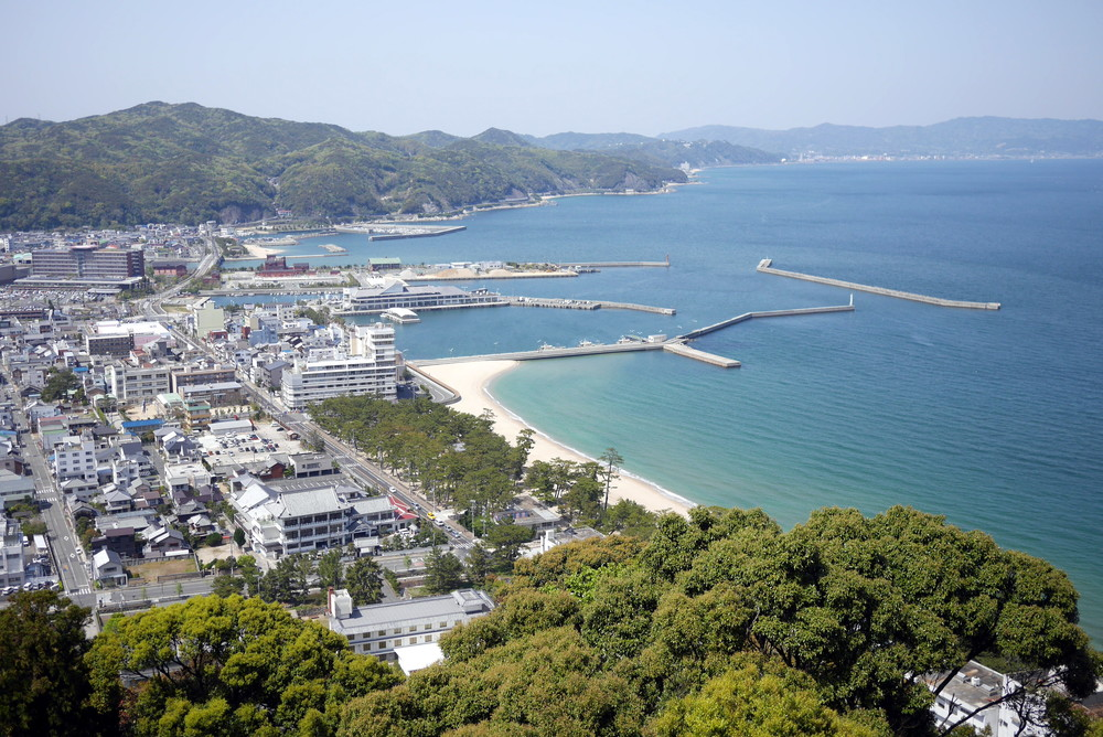 The view of Ohama Beach from Sumoto Castle
