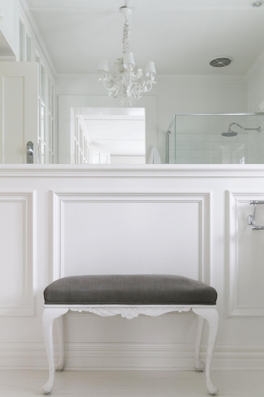 White Bathroom 016 copy.jpg