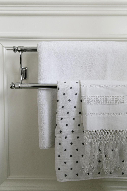 White Bathroom 007 copy.jpg