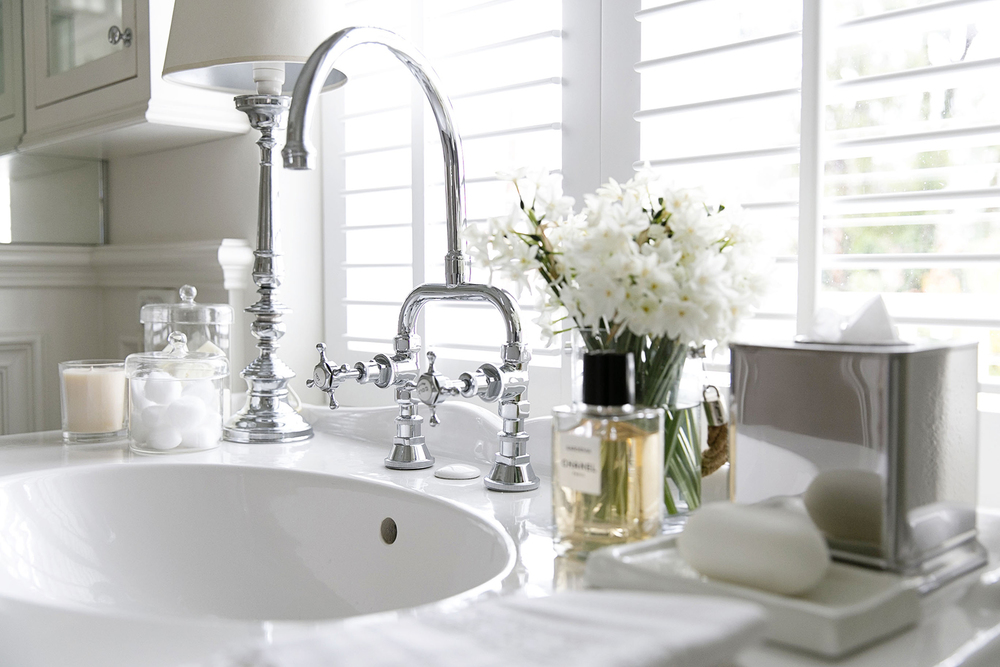 White Bathroom 002 copy.jpg