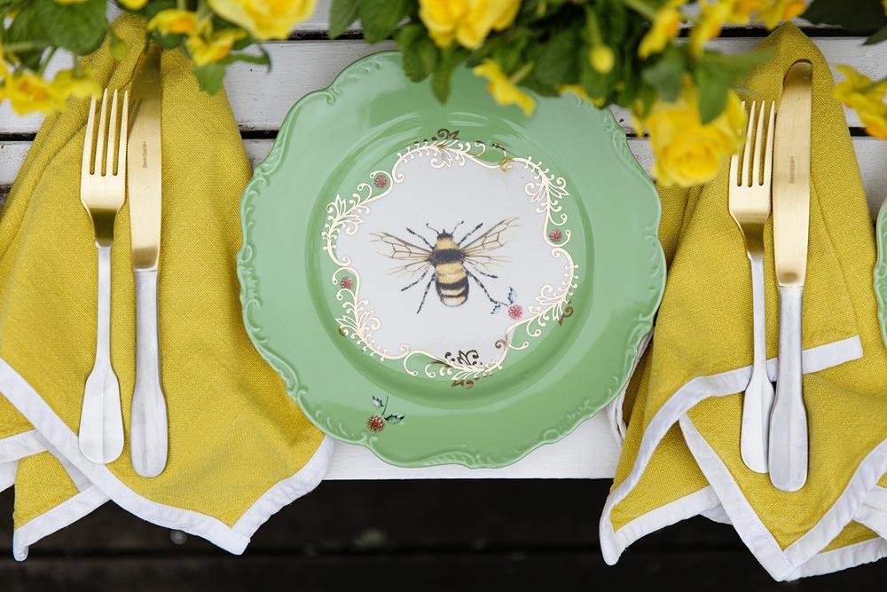 Chyka Bees 005 copy.jpg