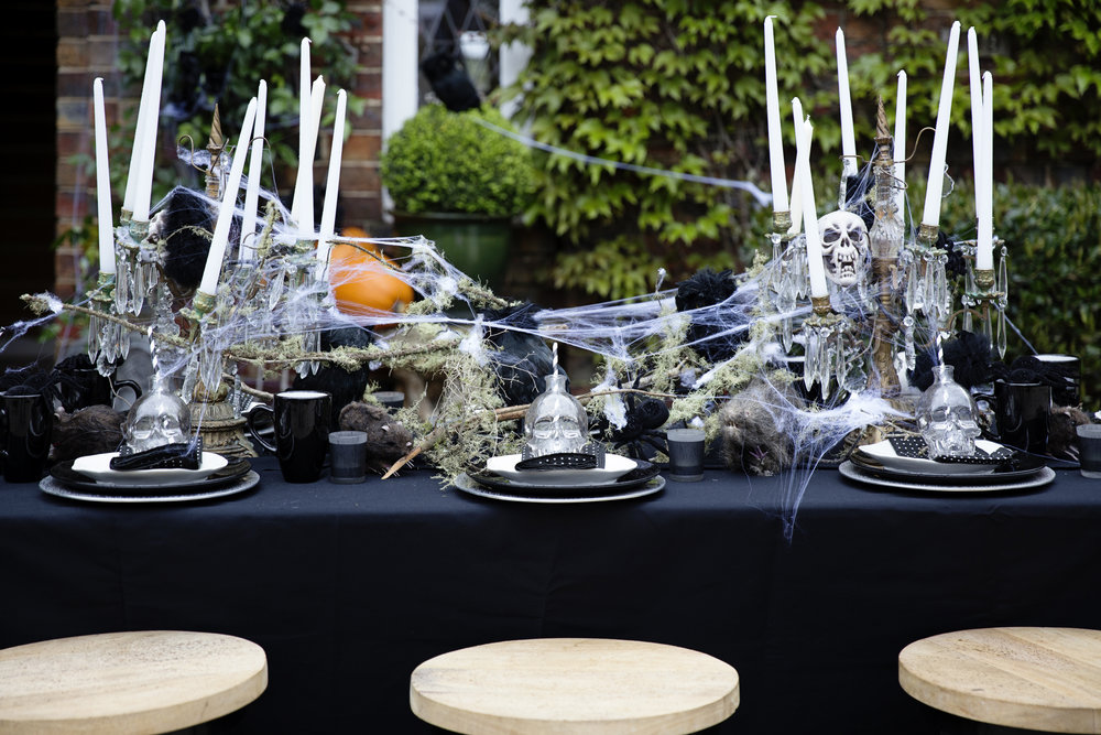 Halloween Table 002.JPG