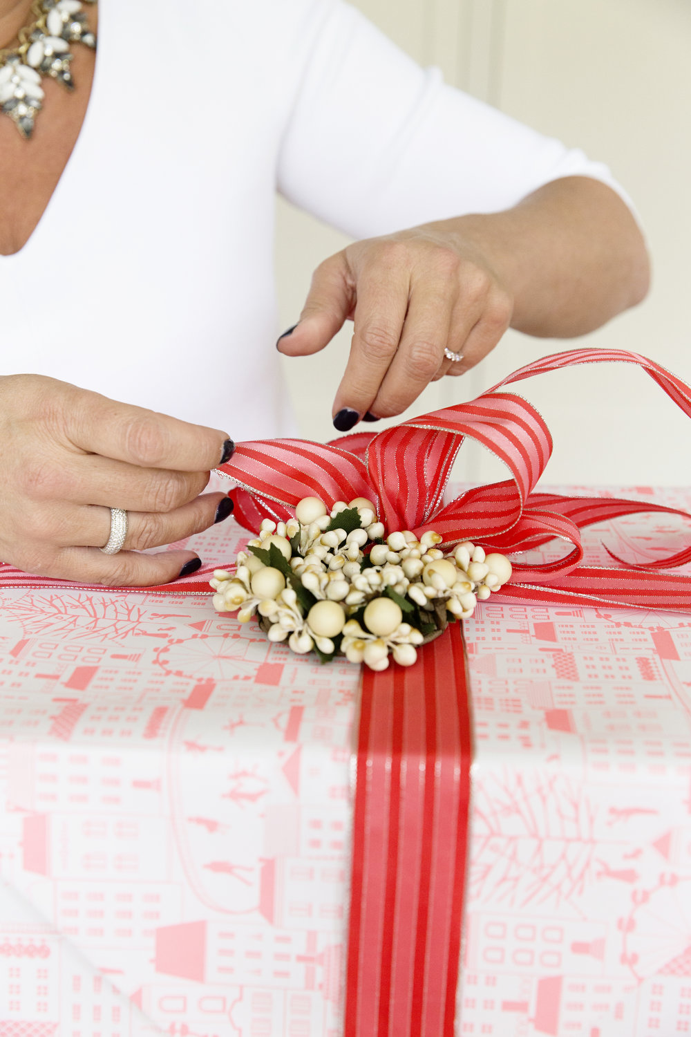 Gift Wrapping 031.JPG
