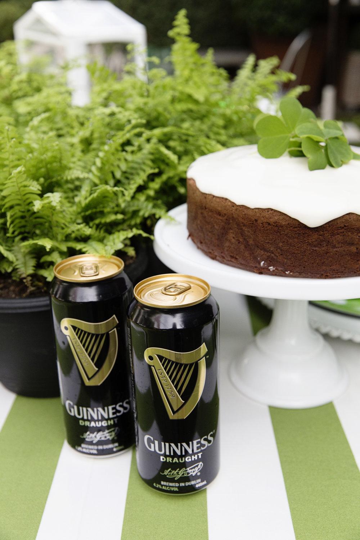 St Patricks Cake 007.JPG