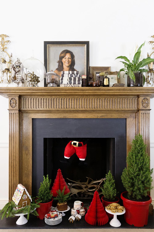 Christmas Fireplace 011.JPG