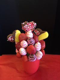 Pink and Hearts   Delicious strawberries with pineapple hearts  $46/$56/$66   Send Request
