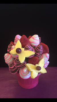 Butterfly Kiss  A delicious treat of milk white and plain strawberries and pineapple butterflies  $45/$55/$65