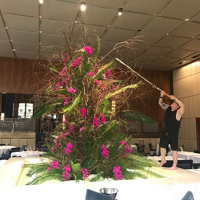 Last touches, water is so cold !!!! #bestflorist #coreclubnyc #nycevents #nyceats #weddingstyling #michelinstar #foodie #fashion #fashionnyc