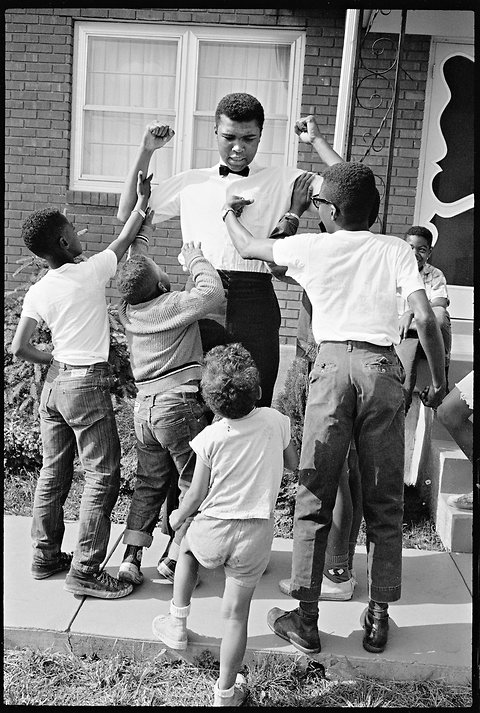 Ali with kids.