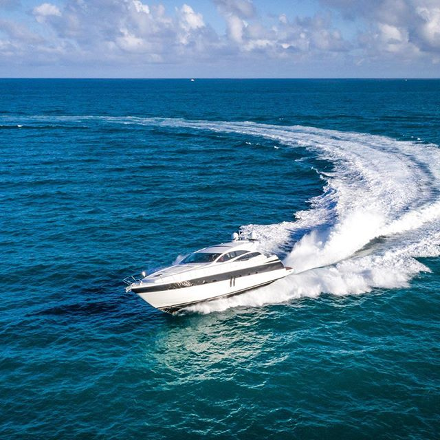One of my favorite shots from this week's shoots with @marinevideopro // here is a beautiful @pershingyacht for sale by @fyiyachts // just in time for @miamiboatshow // 🎬⚓️🚀 #dronephoto by @bosstalkpro 🔥🇮🇹#yachtphotography #yachtvideo #yachtmarketing #pershing #yachting #italiandesign