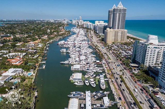 Nothing better than this view above @miamiyachtshow 2018.  Team @marinevideopro was there capturing the best boats in the world. @worthavenueyachts @montecarloyachts_official @fyiyachts @prestige_yachts @iycyachts @edmistonyachts @burgessyachts @g.marine_yachts @merlewoodassociates @sunseeker_int @iyba.yachts_ @yachtscarlet @the.yachtmaster @yachtworld @denisonyachting @beneteauamerica @benettiyachts @feadship @ferrettigroup @alliedmarine @superyachtcontent @miami Photo by 📷 @bosstalkpro #yachtphotography #yachtsmiamibeach #miamiyachtrental #yachtspotter #superyachts #boatshow #videoagency