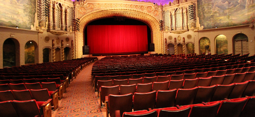 Built in 1929, the historic  Orpheum Theatre  sits in the center of downtown Phoenix and is just a short walk from the Phoenix Convention Center. With seating for 1,364 guests everyone is sure to have a great seat!