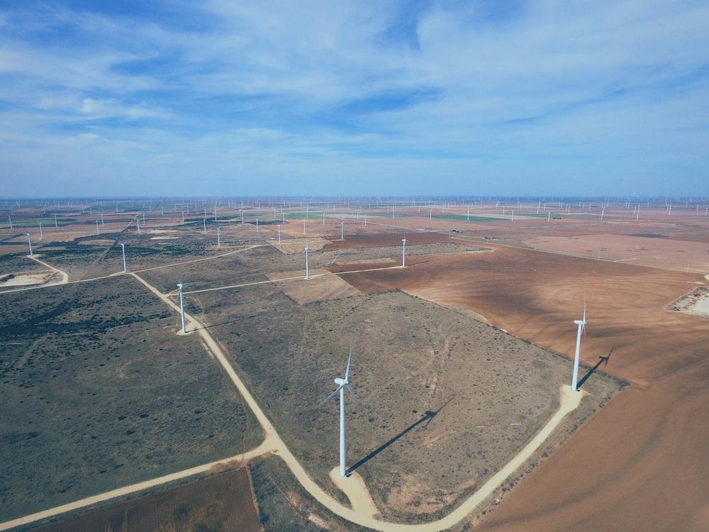 드론으로 담은 풍차들을 모습. The footage of windmills I captured with my drone.