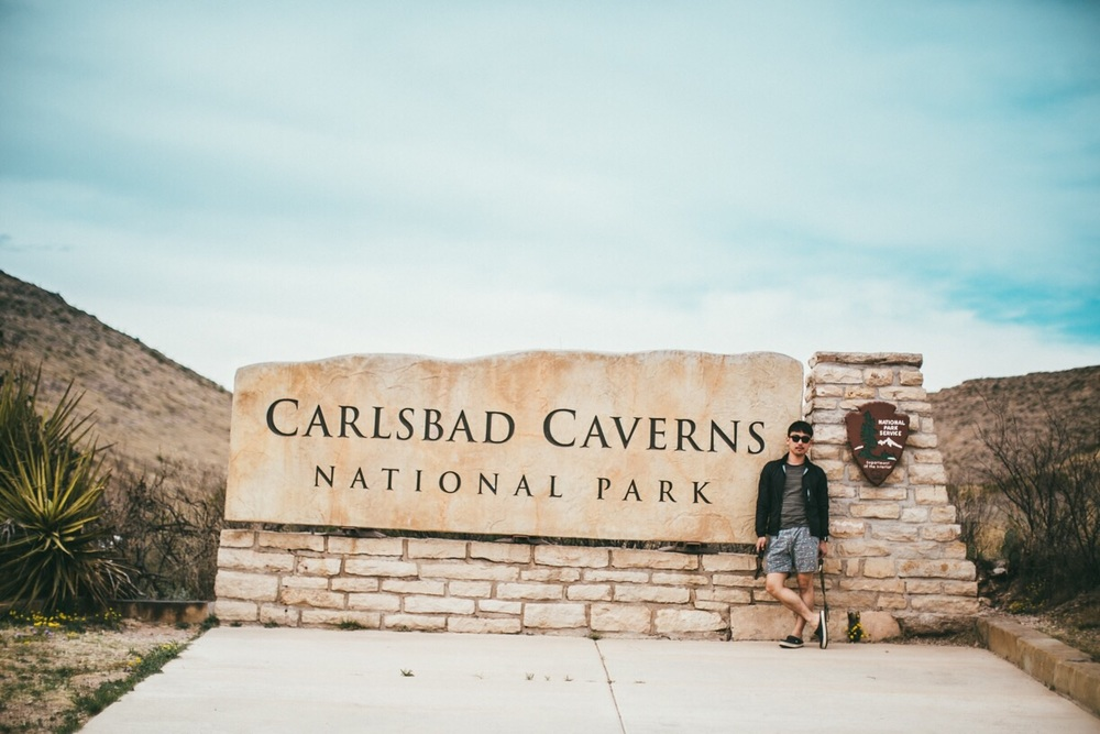 오늘 찾은 Carlsbad Caverns National Park. A shot in front of the Carlsbad Caverns National Park.