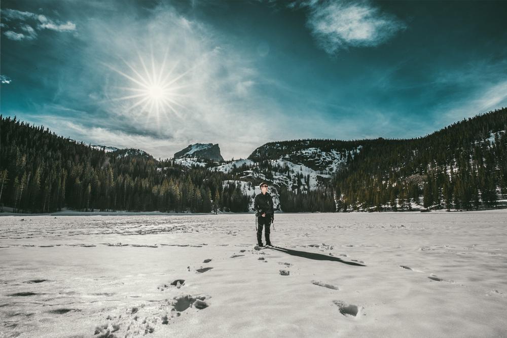 Bear Lake 얼어버린 호수 위에서. Standing on top of the frozen Bear Lake.