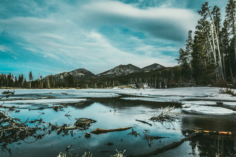 로키 산 공원의 한 호수모습. A lake in the Rocky Mountain National State Park.