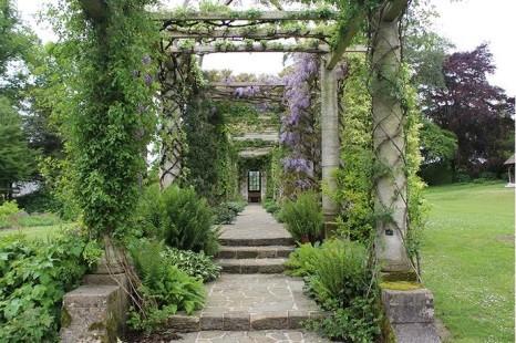 Peto pergola. west dean Gardens © West Dean Gardens