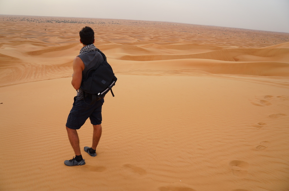 Ramiro in Middle East with the ALPAKA 7ven bag.