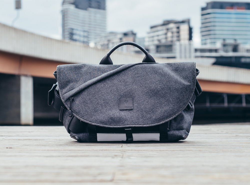7ven Messenger - The original 7ven Messenger is an everyday messenger bag designed for work and play. Packed with well thought out pockets, magnetic latches, and travel features.Available in Right Shoulder only.