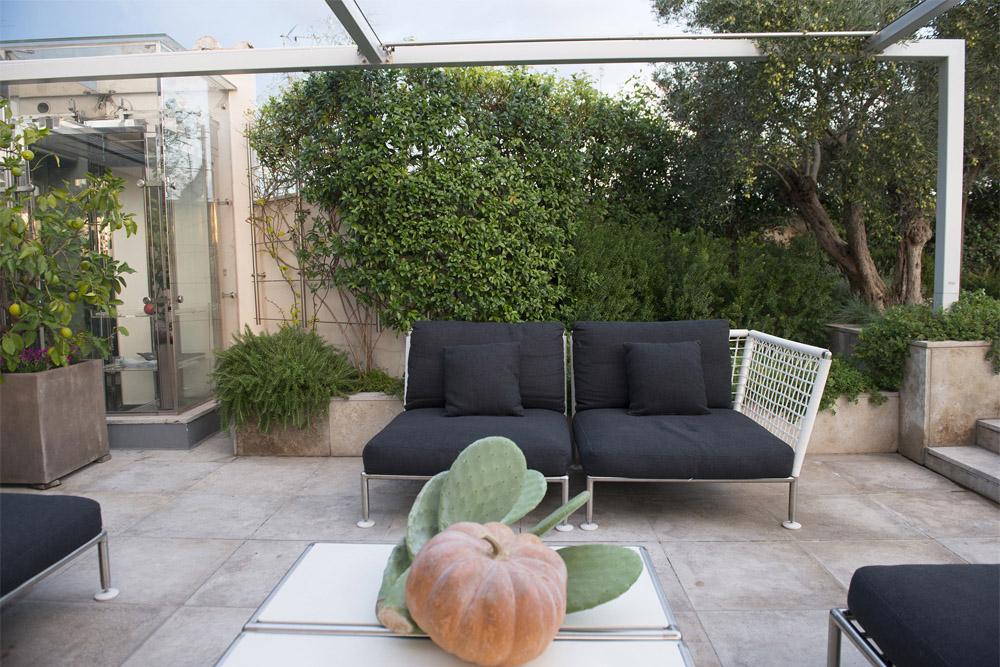 03-Terrazza-privata-Lungotevere-Roma-Studio-Architetti-dei-giardini-Green-Atelier-Roma.jpg
