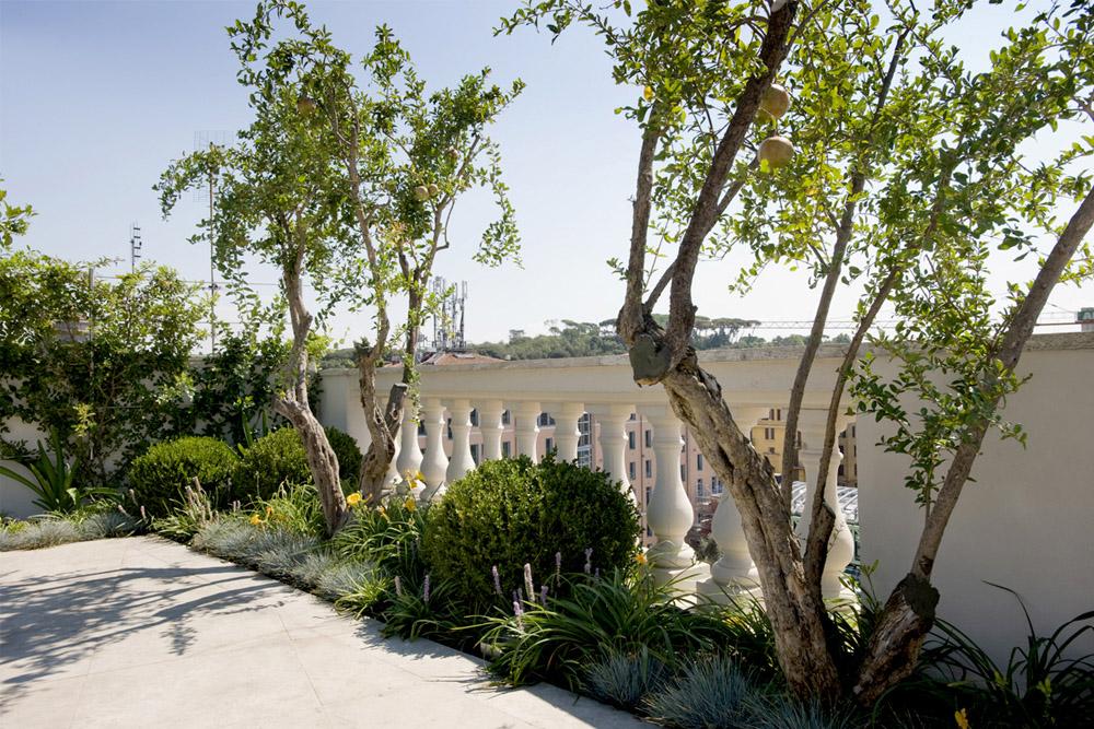 11-Terrazza-privata-Lungotevere-Roma-Studio-Architetti-dei-giardini-Green-Atelier-Roma.jpg