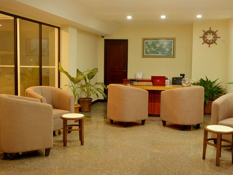 The Lobby & the Reception at Champa Central Hotel